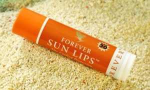 Buzele vor fi protejate cu Forever Sun Lips
